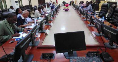 أمين عام الحكومة يفتتح ورشة الإدارة البيئية بولاية نهر النيل